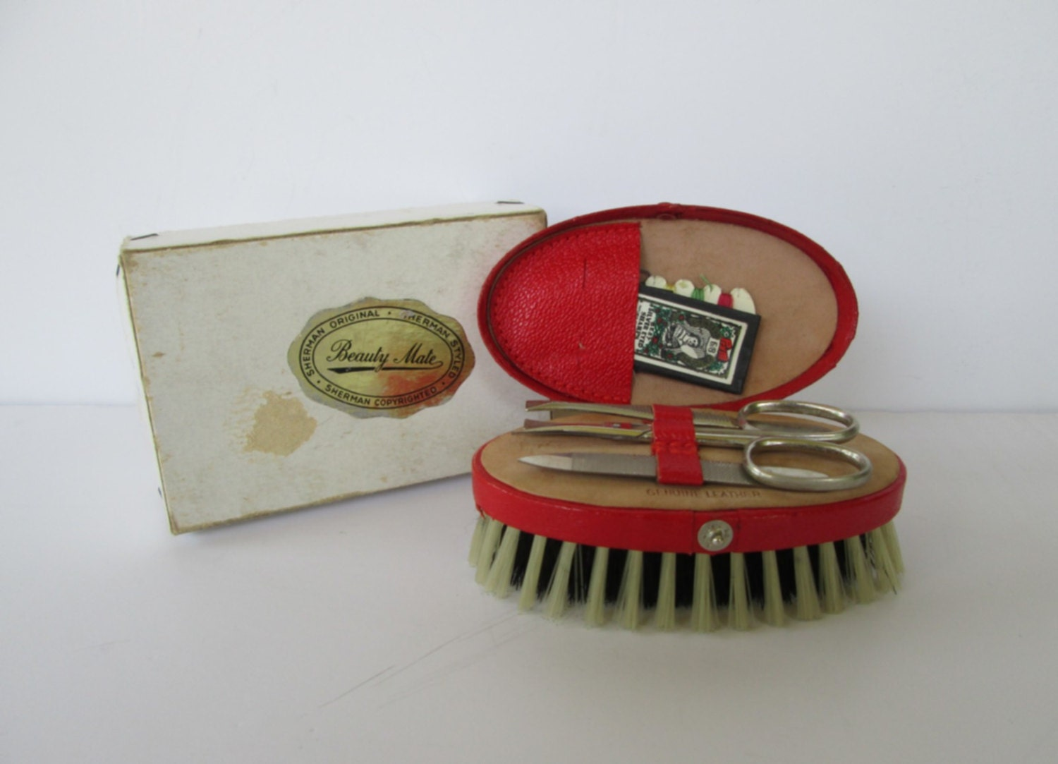 Travel Manicure Sewing Kit - goodvintage