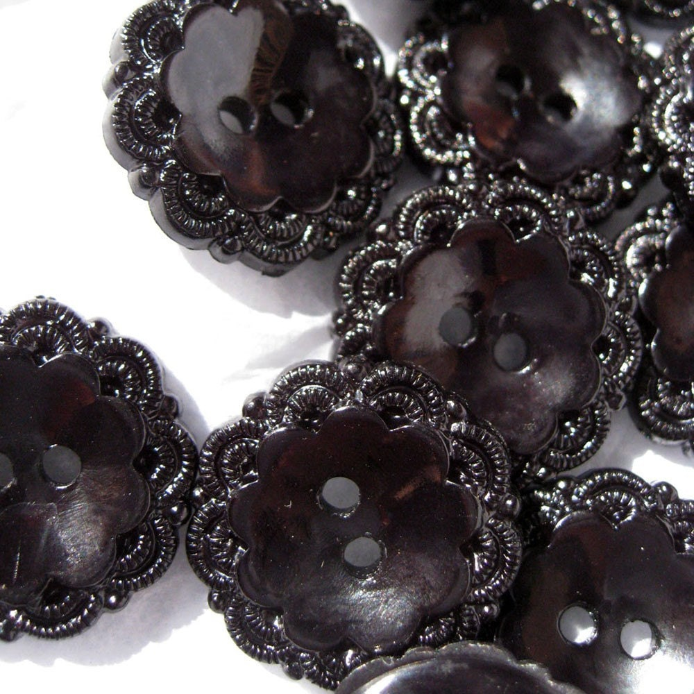 5 x Black Flower Filigree 18mm / 0.7in Buttons (ST3953)