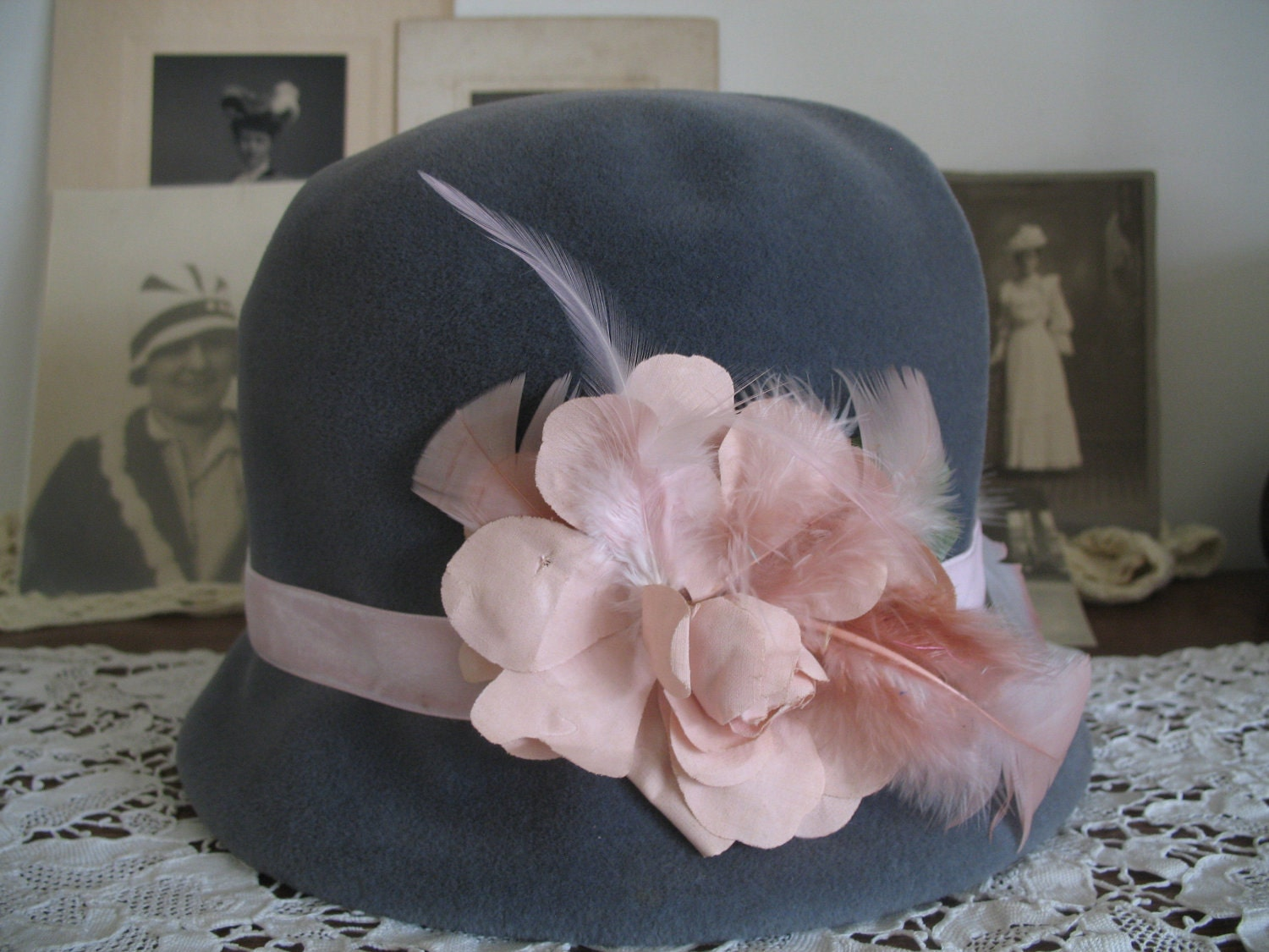 1940's Cloche Hat-Gray- Sweet Pink Rose-NORMA - SusieQsVintageShop
