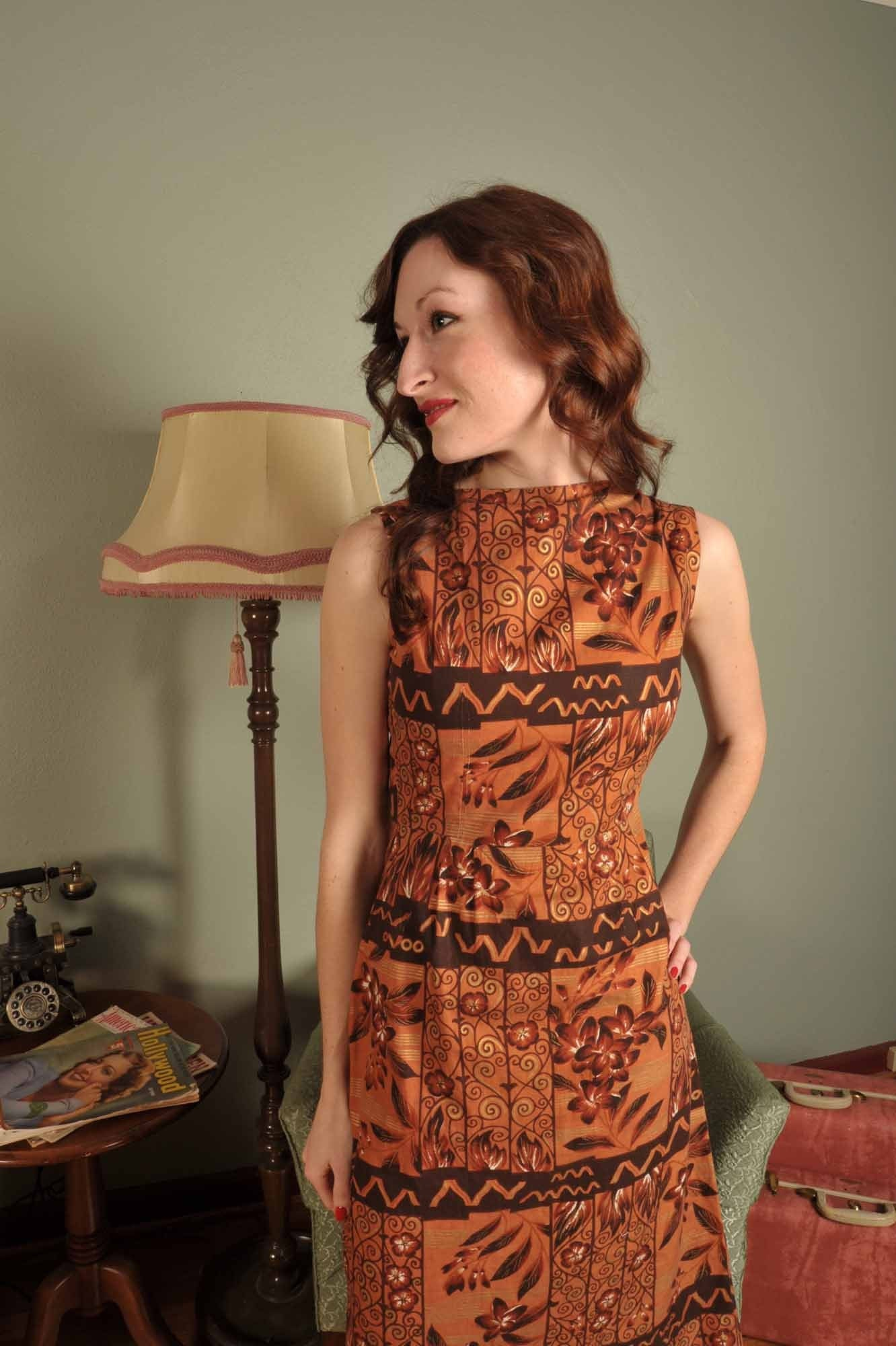 Sleek Tiki... A Late 50s Hawaiian Print Aloha Slim Wiggle Dress