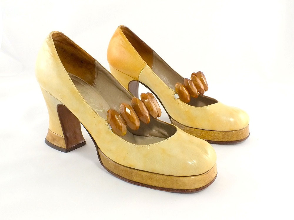 1970s funky two tone platform shoes size 7 by