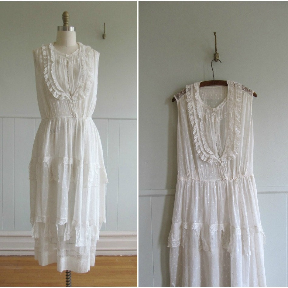 1900s White Cotton Lace Vintage Wedding Dress By