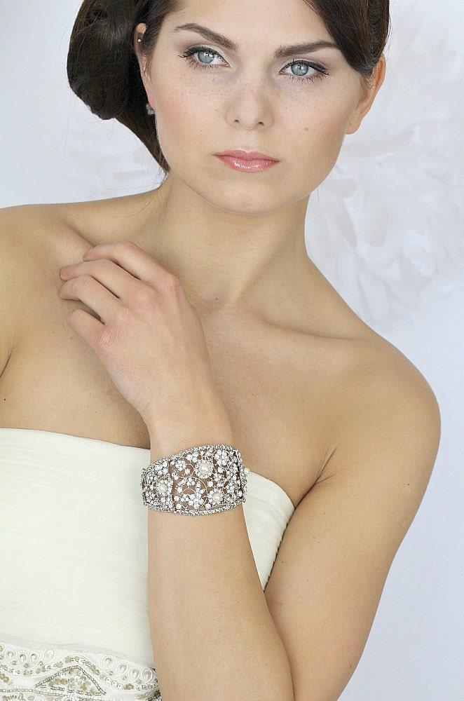 Pearl Bridal Cuff Bracelet,Vintage  Pearl Wedding Bracelet, Vintage Wedding Bridal Bracelet, Bridal jewelry - Style 413