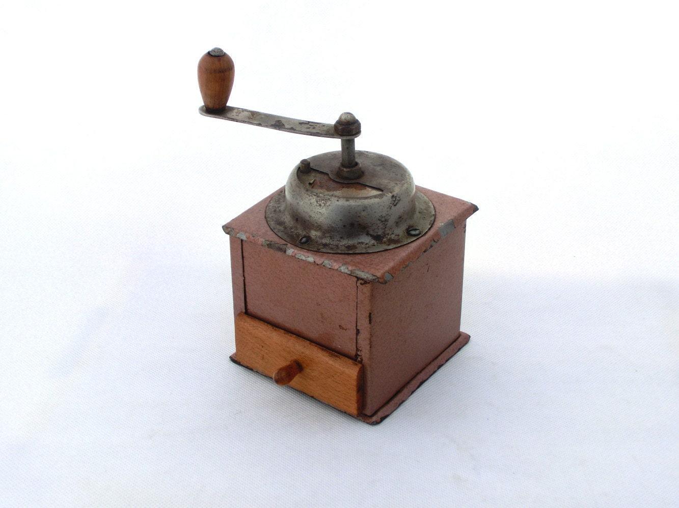 Vintage coffee mill / grinder - ArtmaVintage