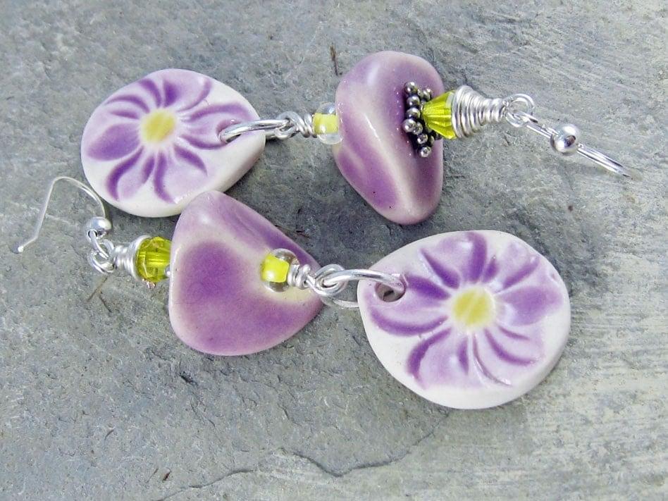 handmade ceramic earrings Linda Landig