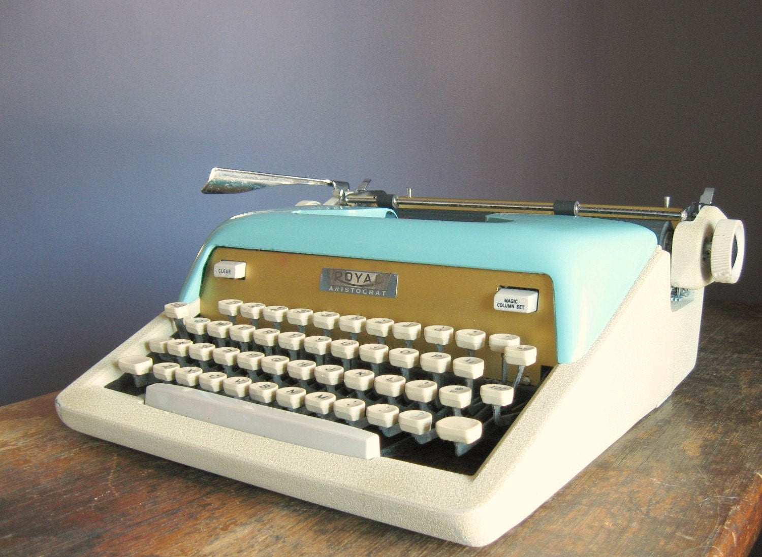 Vintage 1950s Royal Aristocrat Manual Typewriter