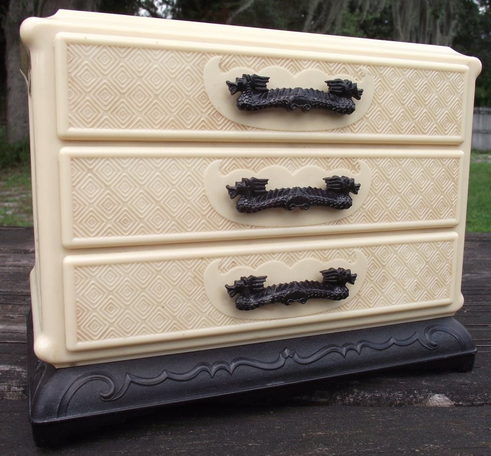 Vintage Asian Jewelry Chest of Celluloid