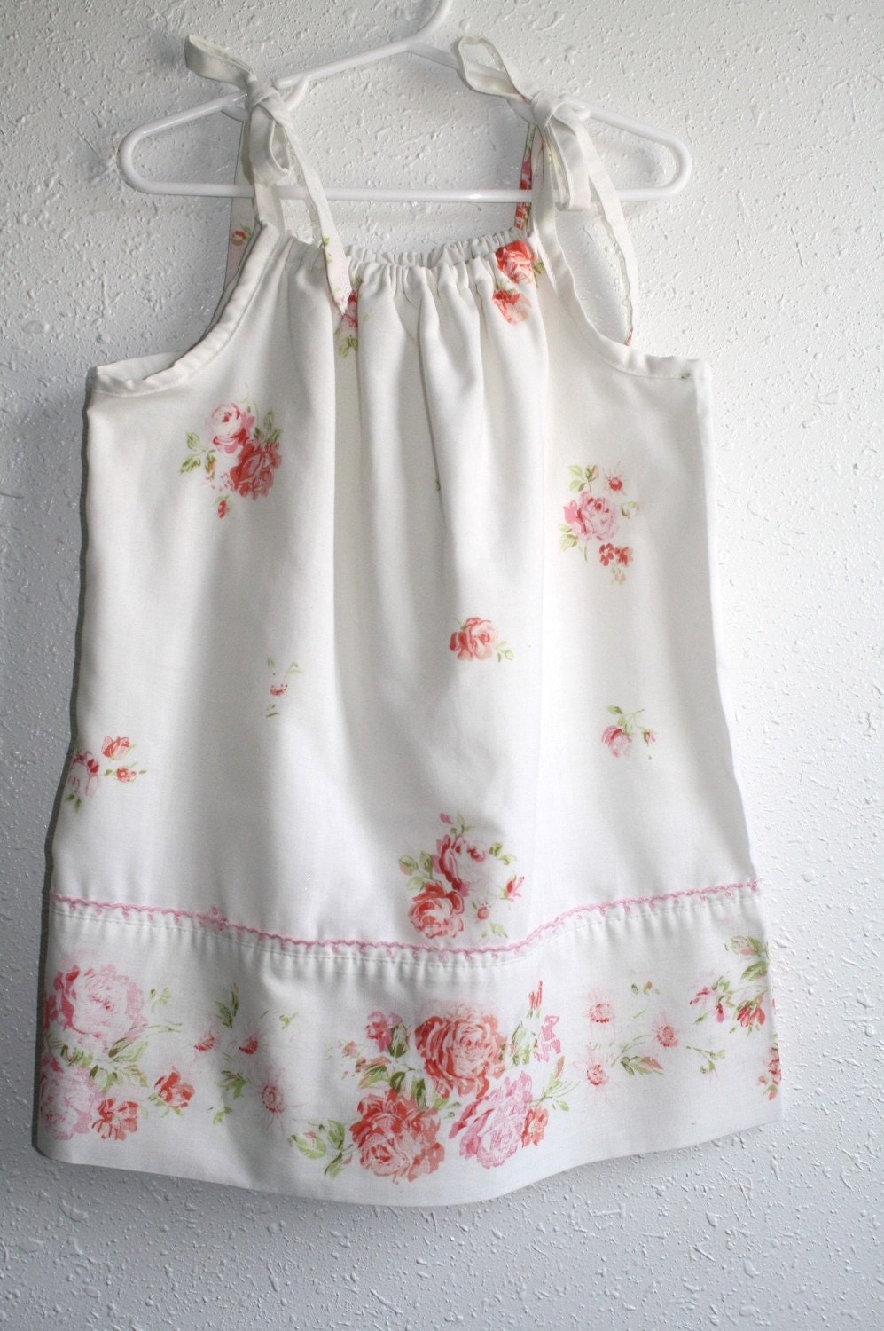Upcycled vintage pillowcase dress- Pink roses - 2T