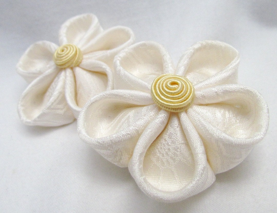 Shop Etsy Amazing Flowers For Your Hair