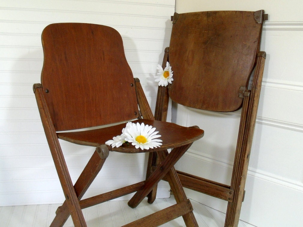 early wooden folding chairs set of 2 vintage american seating