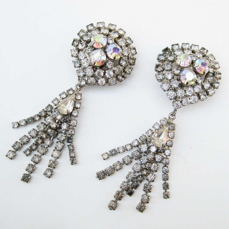 Vintage 50s Designer HOBE Tear Drop Chandelier Long Dangly Fringe Aurora Borealis Rhinestone Clip Earrings
