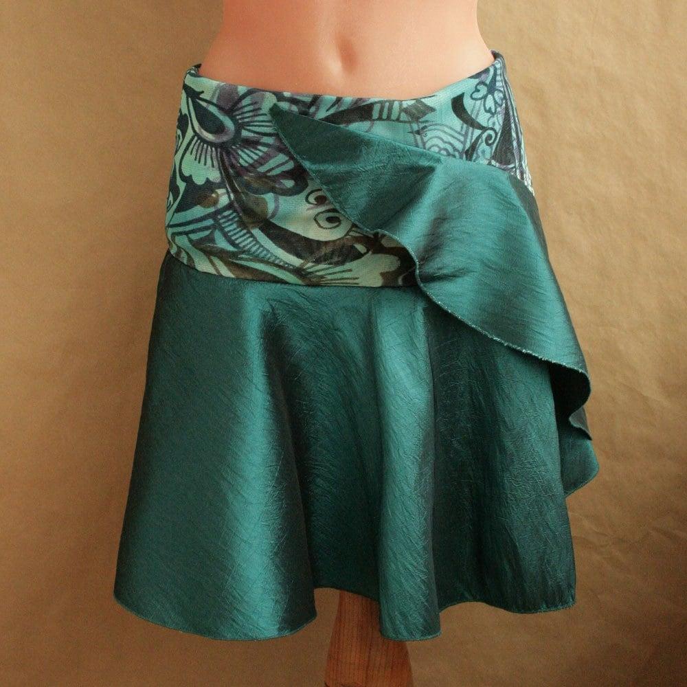 Aqua green skirt, size M