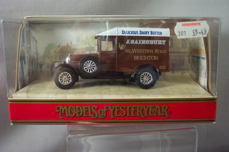 Matchbox Toy 1929 Morris Cowley Van - Models of Yesteryear