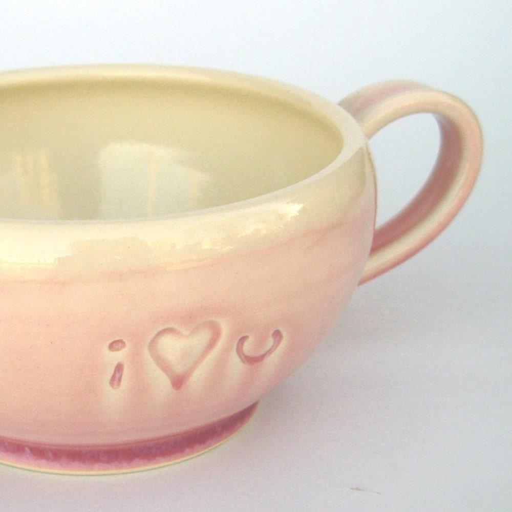 I heart U cozy mug...in pink.
