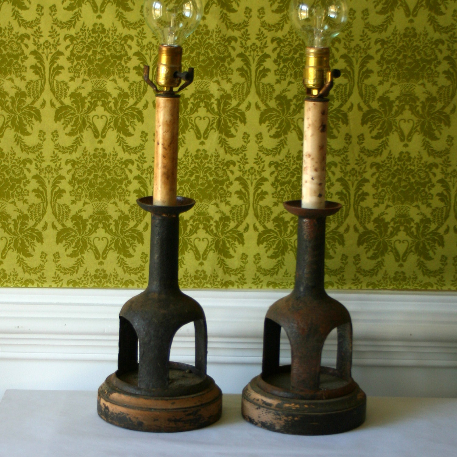Pair of Industrial Lamps Farmhouse Lamps Iron by RhapsodyAttic