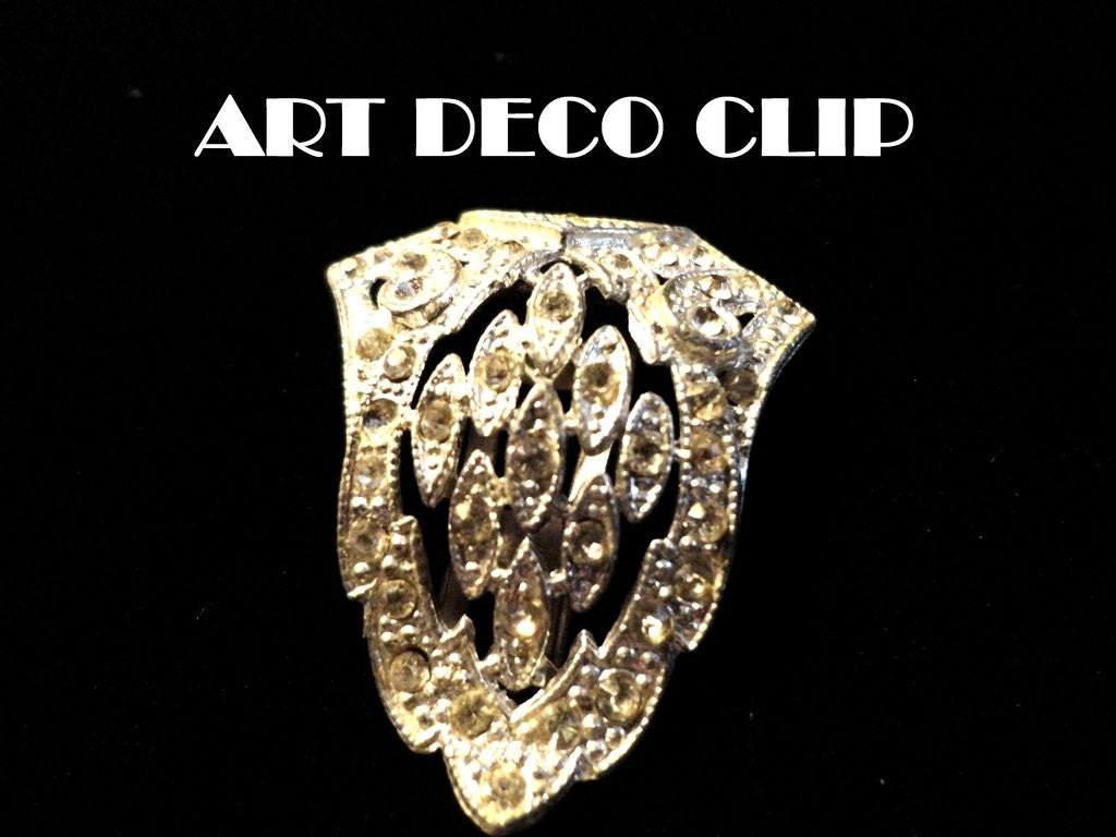 VINTAGE REDUCED from 24 to 18 1930s Beautiful Art Deco Rhinestone dress clip brooch in silver tone