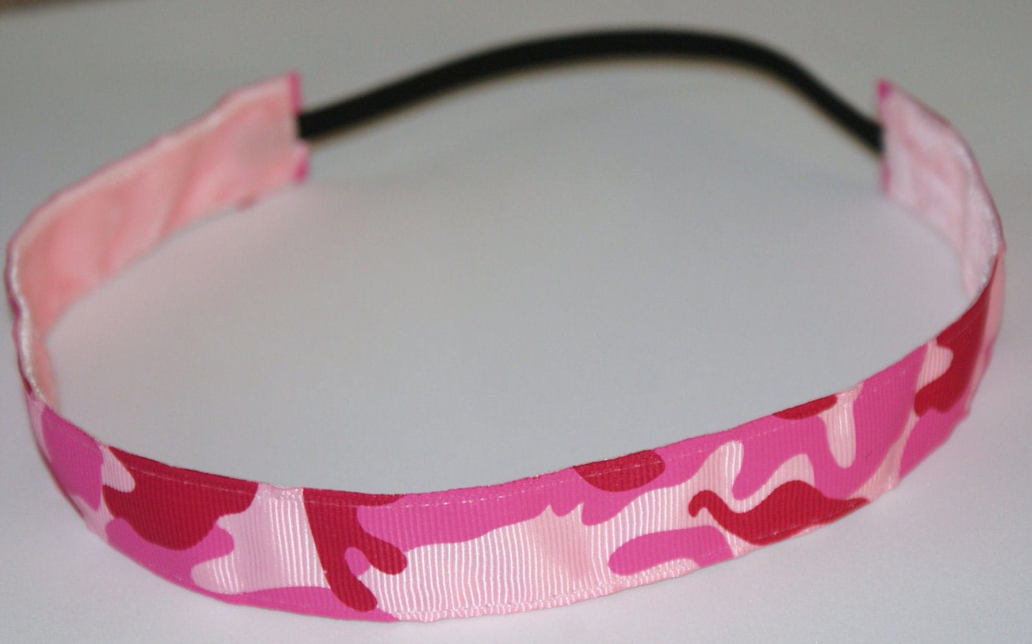Camo Girl Pink  Thin  Non Slip Chickband 7/8 inch