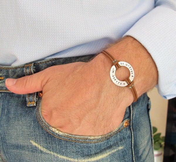 Кожаный браслет на руку мужской своими руками
