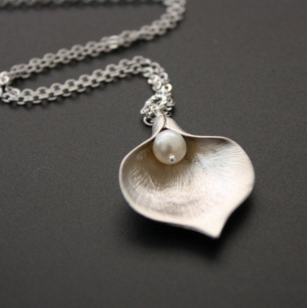 Calla Lily Pendant Necklace in Silver