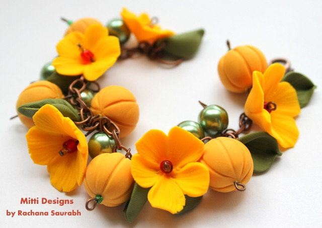 Welcome Fall // Pumpkin and Flower Bracelet - MittiDesigns