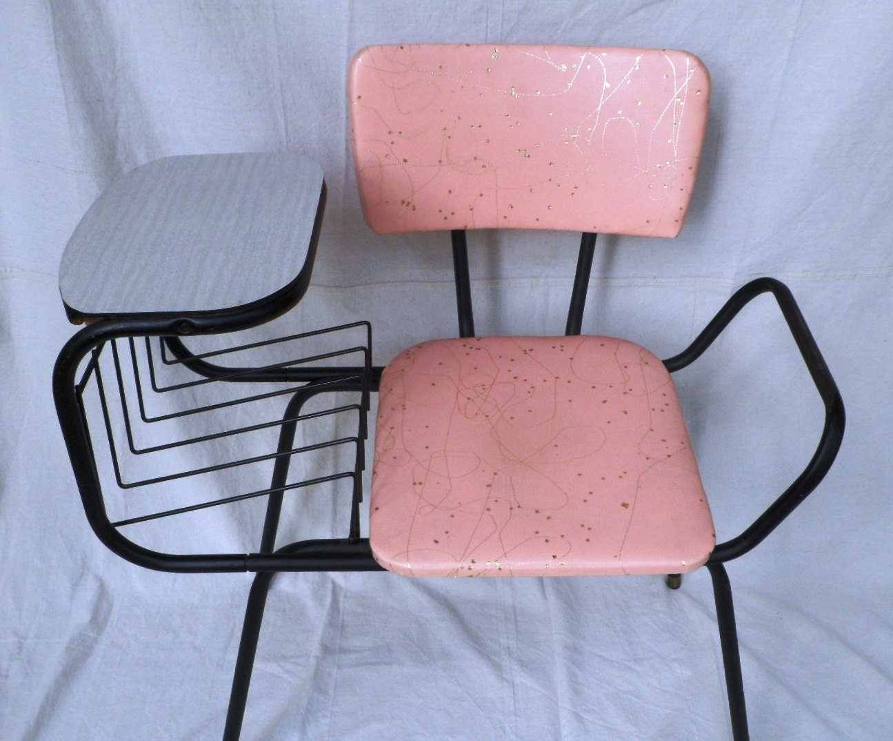 1950s pink and black phone seat