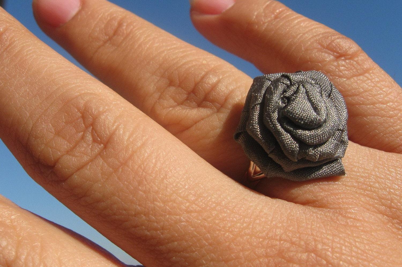 Antique Silver Petite Rosette Ring