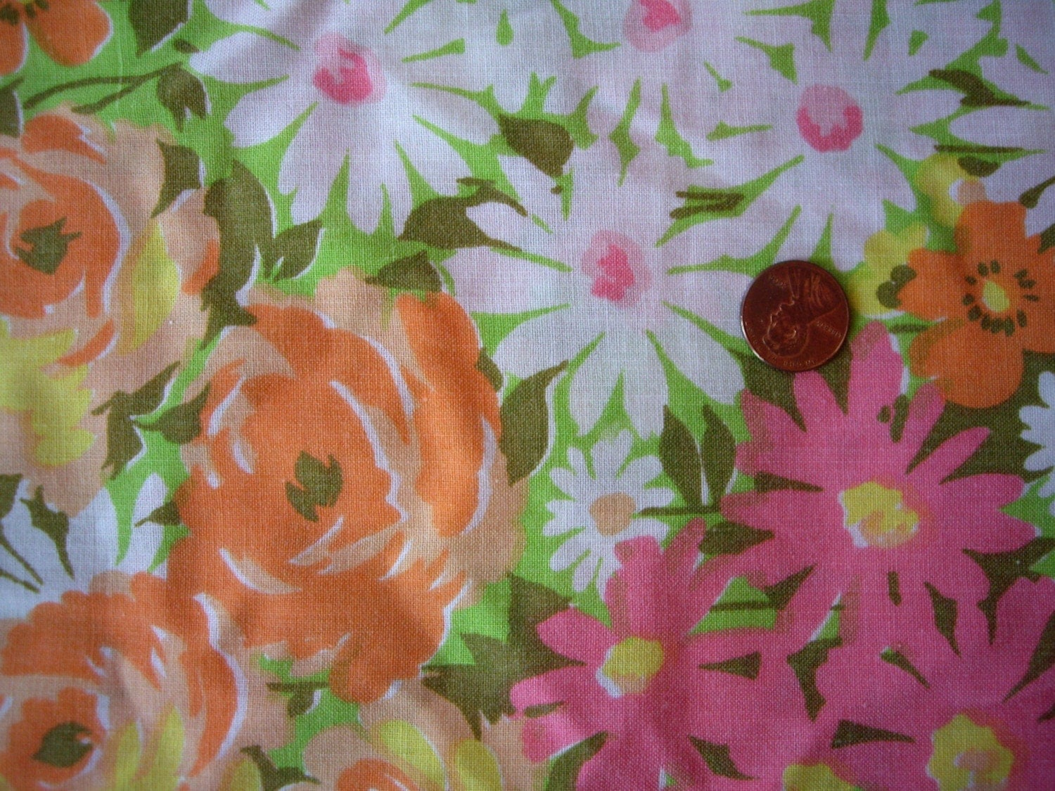LAST ONE. Vintage Yard of Spring Floral Fabric. Retro. Pink. Yellow. Orange.