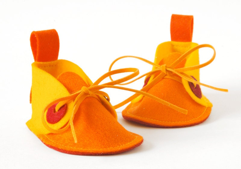 Baby booties Yellow, orange & red Pip, pure wool felt baby shoes - newborn baby shoes