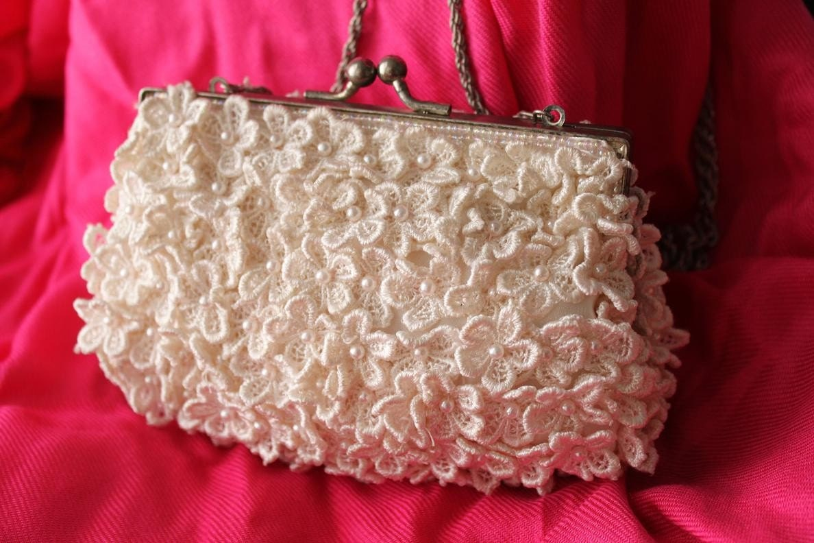 HOLIDAY MARKDOWN- Adorable Vintage Crochet Flower and Bead Clutch