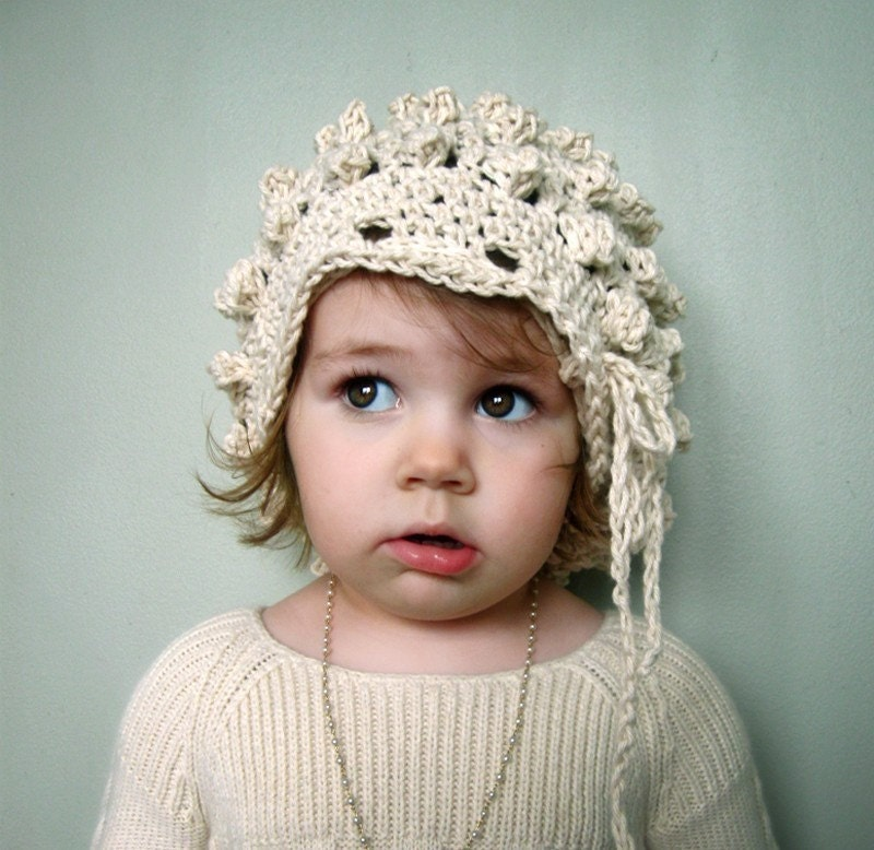 Popcorn Beret with Drawstring in Ecru - One Size Fits Most Children