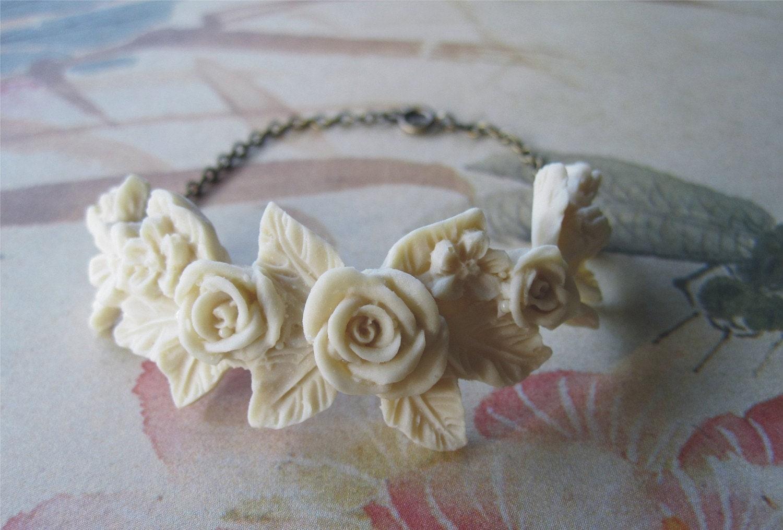 Ivory Flowers - Bracelet