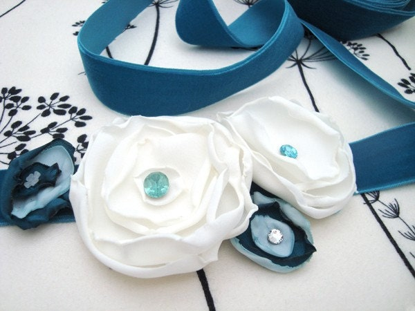 Bridal sash, handmade delicate flower belt in innocent ivory and Tiffany blue.  Perfect for your wedding or as a daily delight.
