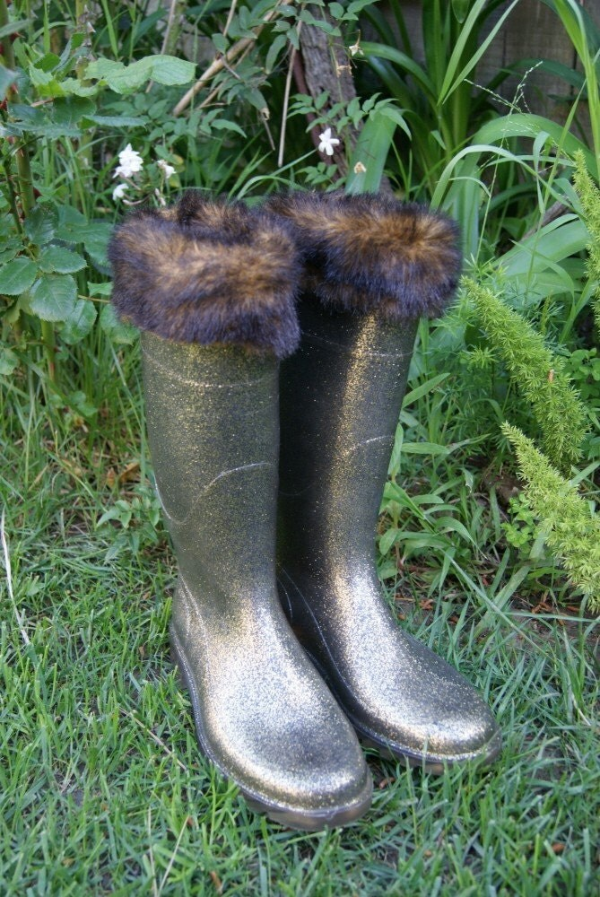 Vintage Italian Rain Boots with Glitter and Faux Fur Trim