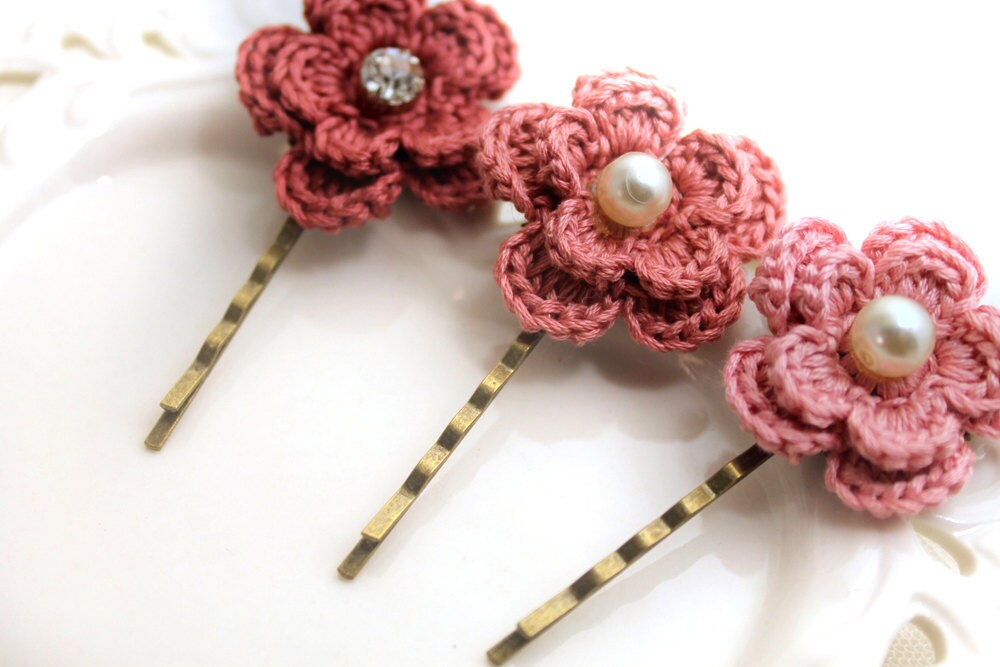 Crochet Hair Pins : Crochet Flower Hair Pins - Weddings Hair Pins - Bridesmaids - Unique ...