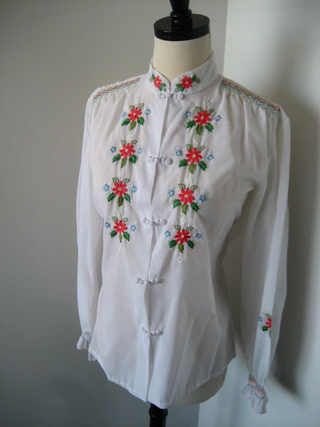Embroidered and Smocked Lovely Mandarin Blouse M