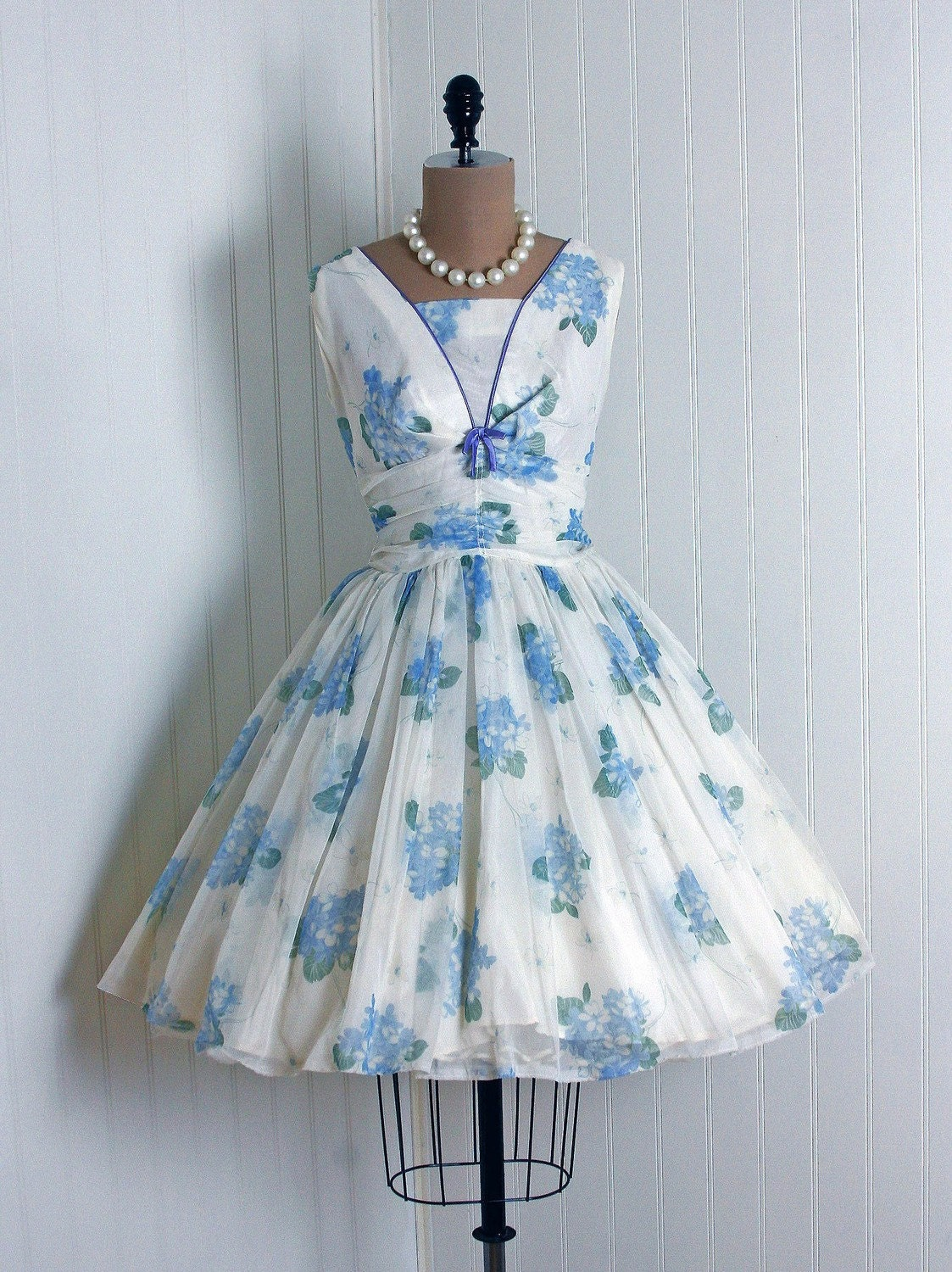 1950's Vintage Blue-Floral Watercolor White-Garden Flowing Scenic-Print Botanical Chiffon-Couture Sleeveless Shelf-Bust Bow Ruched Nipped-Waist Rockabilly Ballerina-Cupcake Princess Full Circle-Skirt Bombshell Wedding Formal Cocktail Prom Party Dress