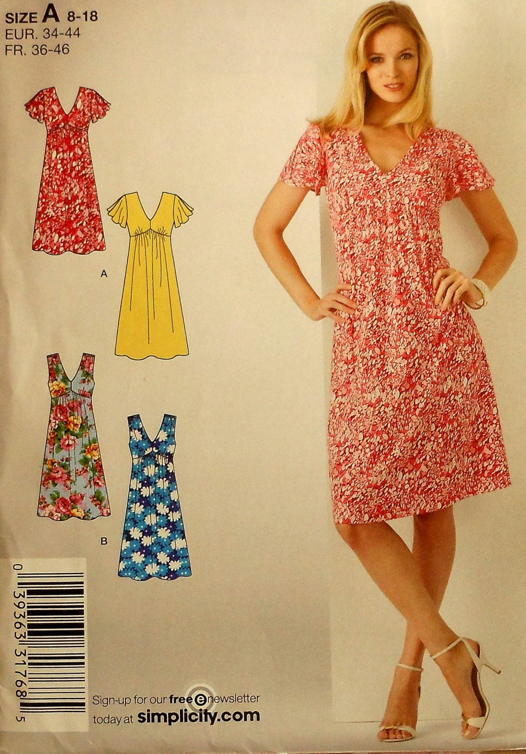What is a Day Dress with picture  wiseGEEK