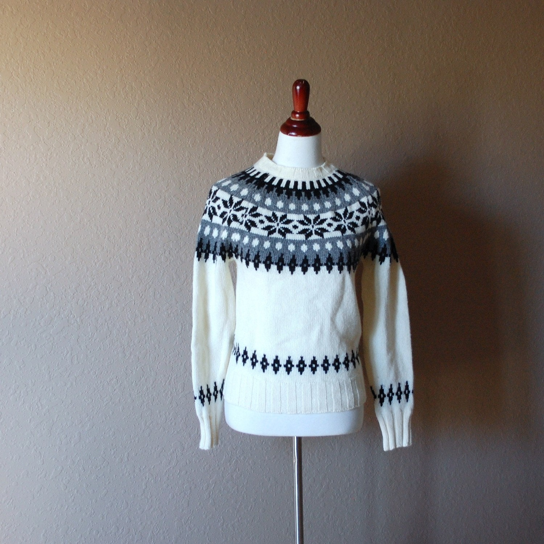vintage 1980s wool SNOWFLAKE ski sweater  Benetton