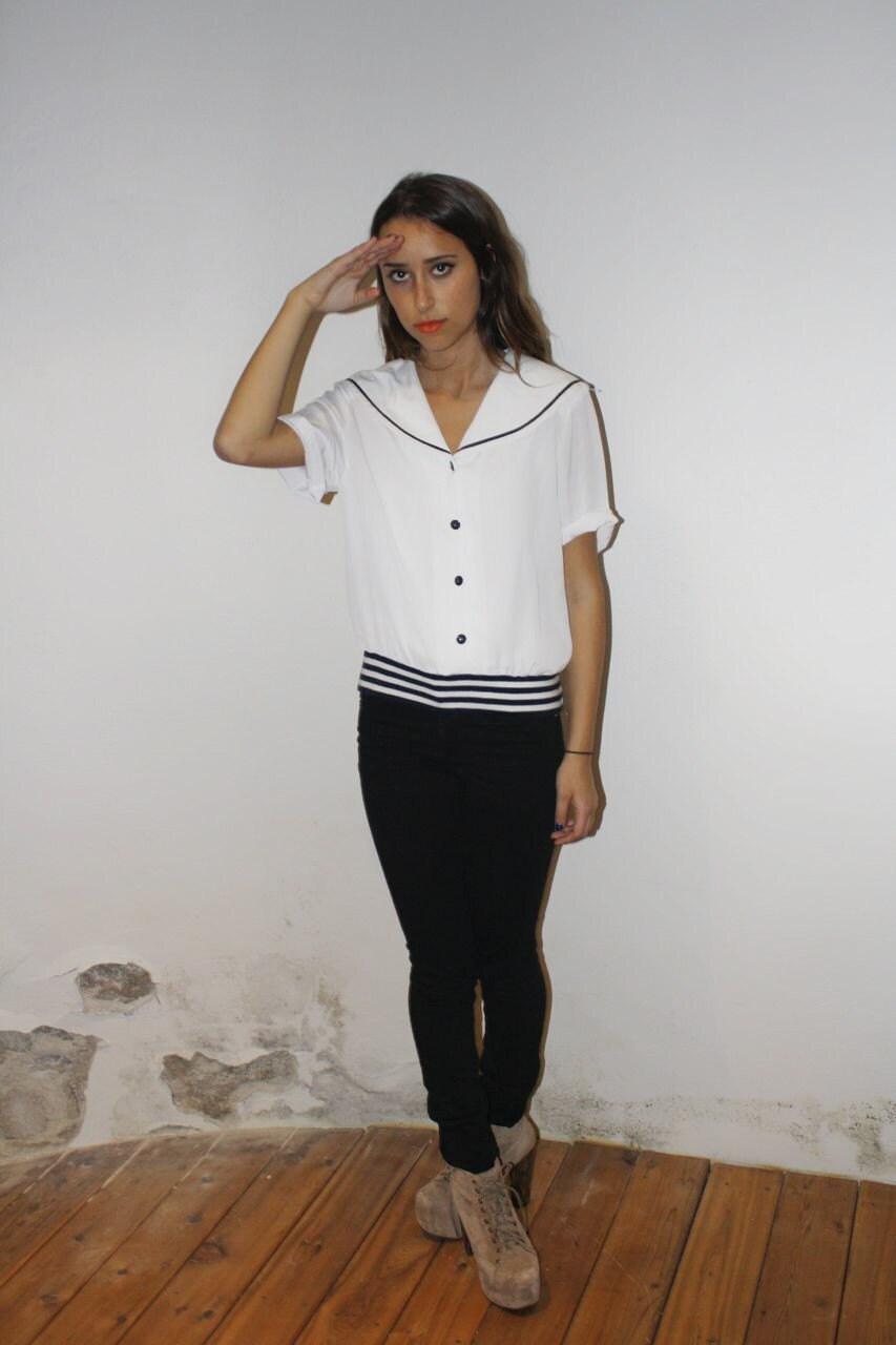 vintage adorable sailor blouse with buttons