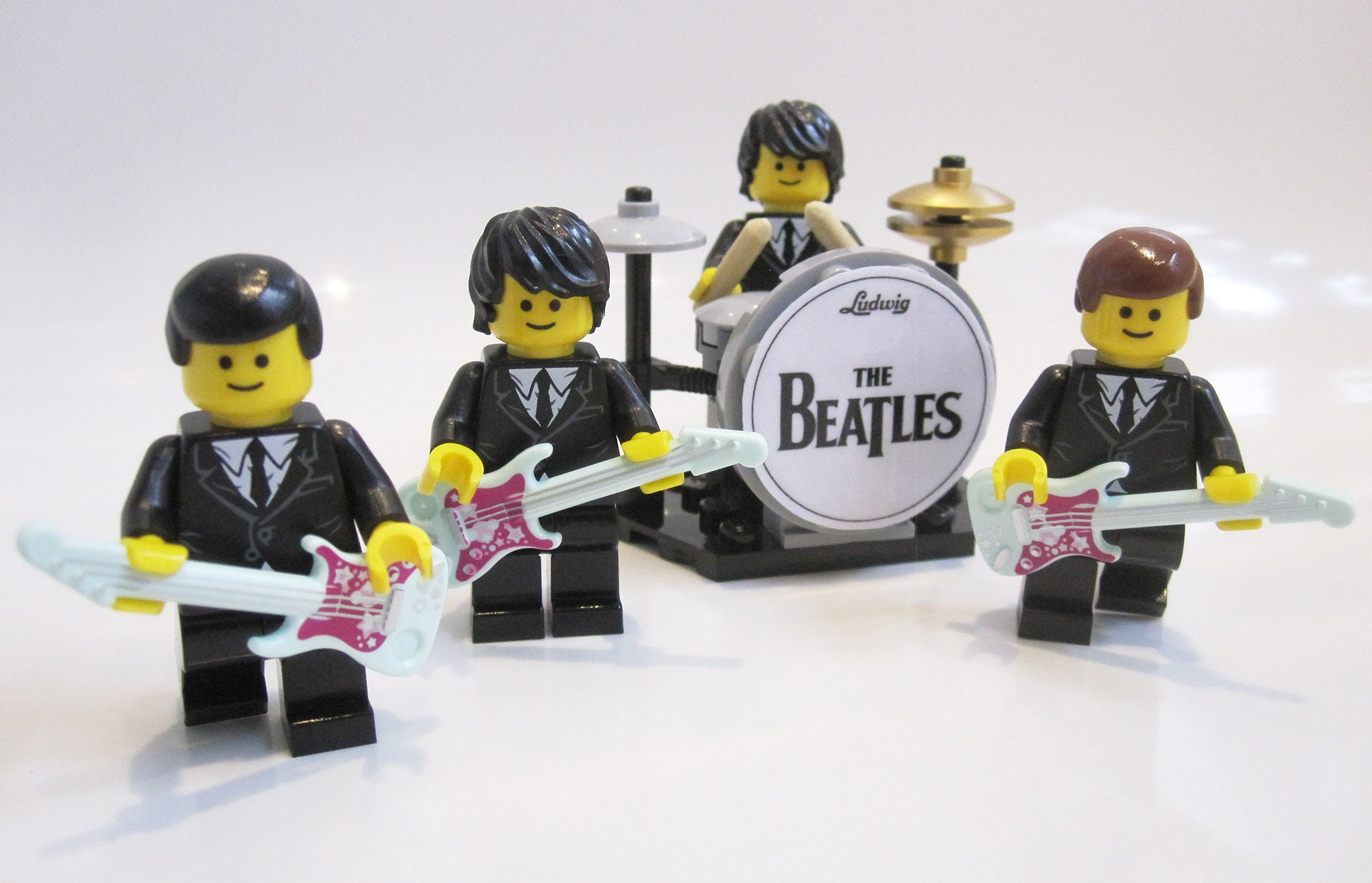 The Beatles Lego minifigures Band with drum kit guitars Fab Four Abbey Road Studios Christmas Birthday gift idea GENUINE LEGO PIECES