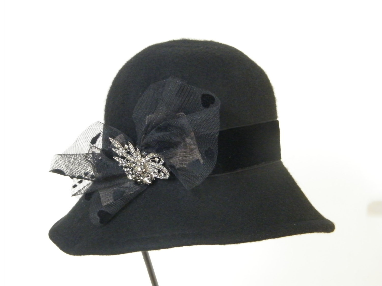 Downton Abbey black felt hat - large winter hat, cloche 20's style hat U.K. - RanaHats