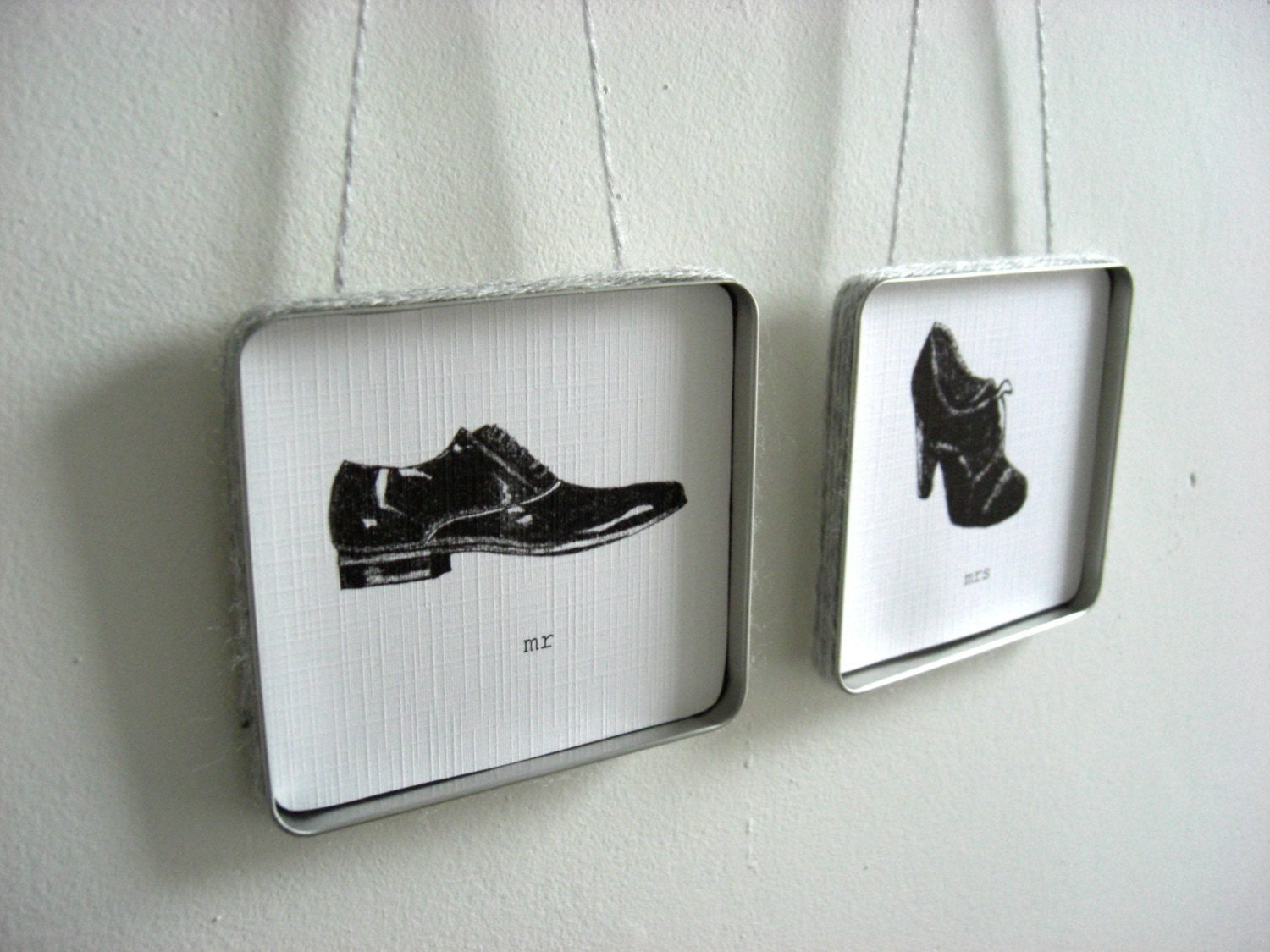 mr and mrs wall hanging set