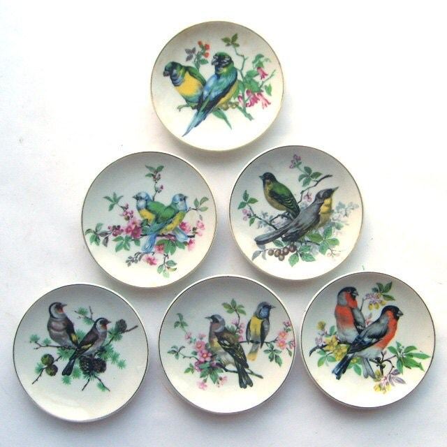 Small Decorative Plates Sets: Collection Of Miniature Decorative Bird Plates By