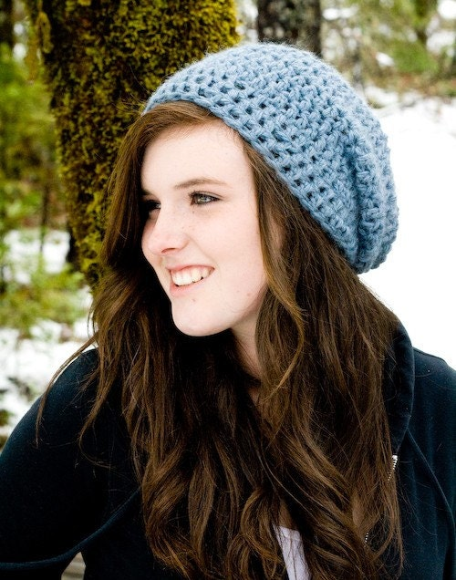 Slouchy hat in Stone Blue