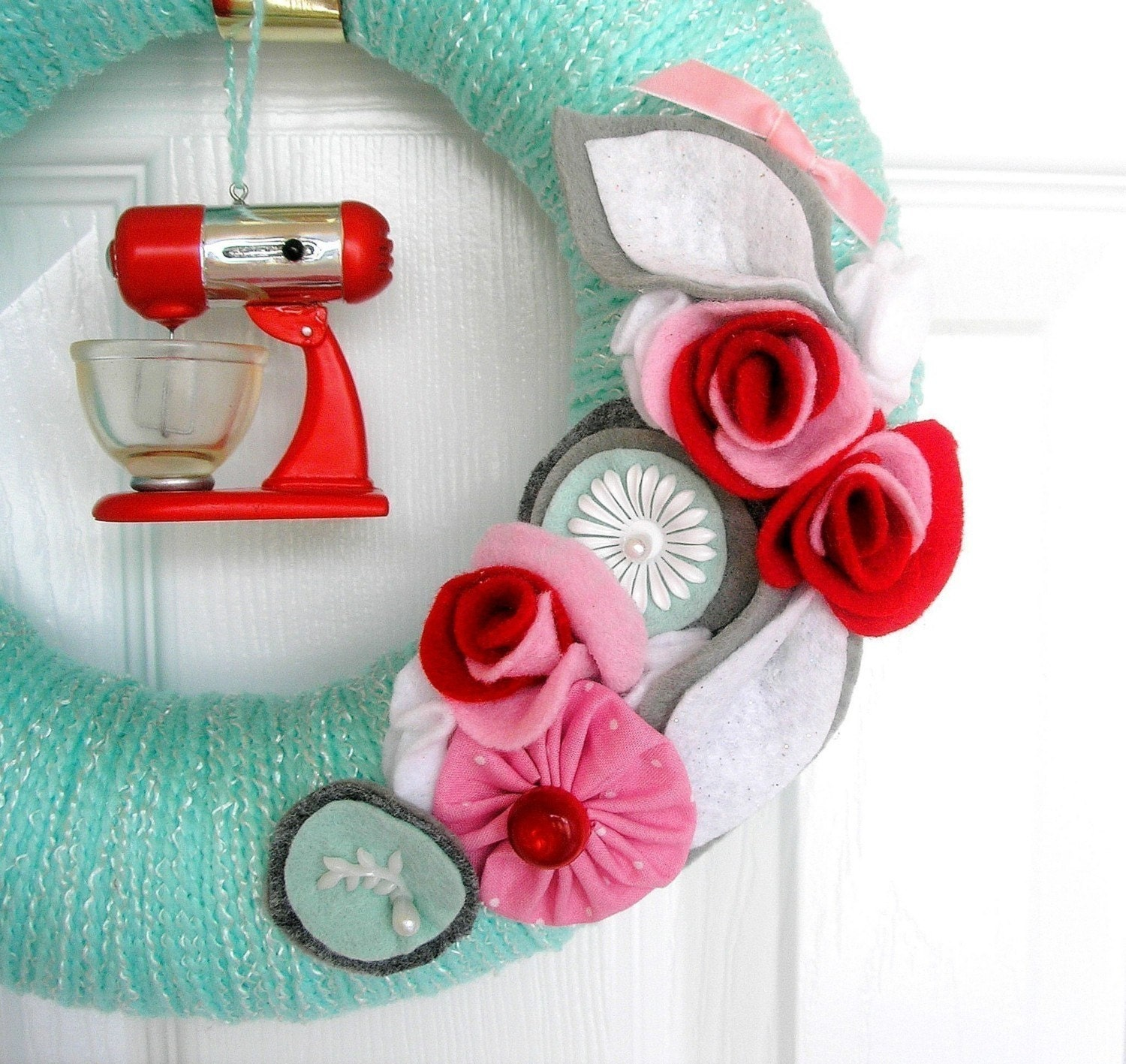 Retro Hostess Kitchen Wreath