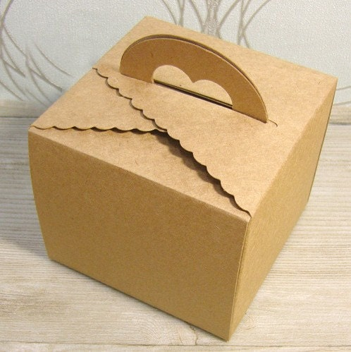 heart handle with Kraft and white Boxes - 97mm x 97mm x 128mm (set of 2boxes)