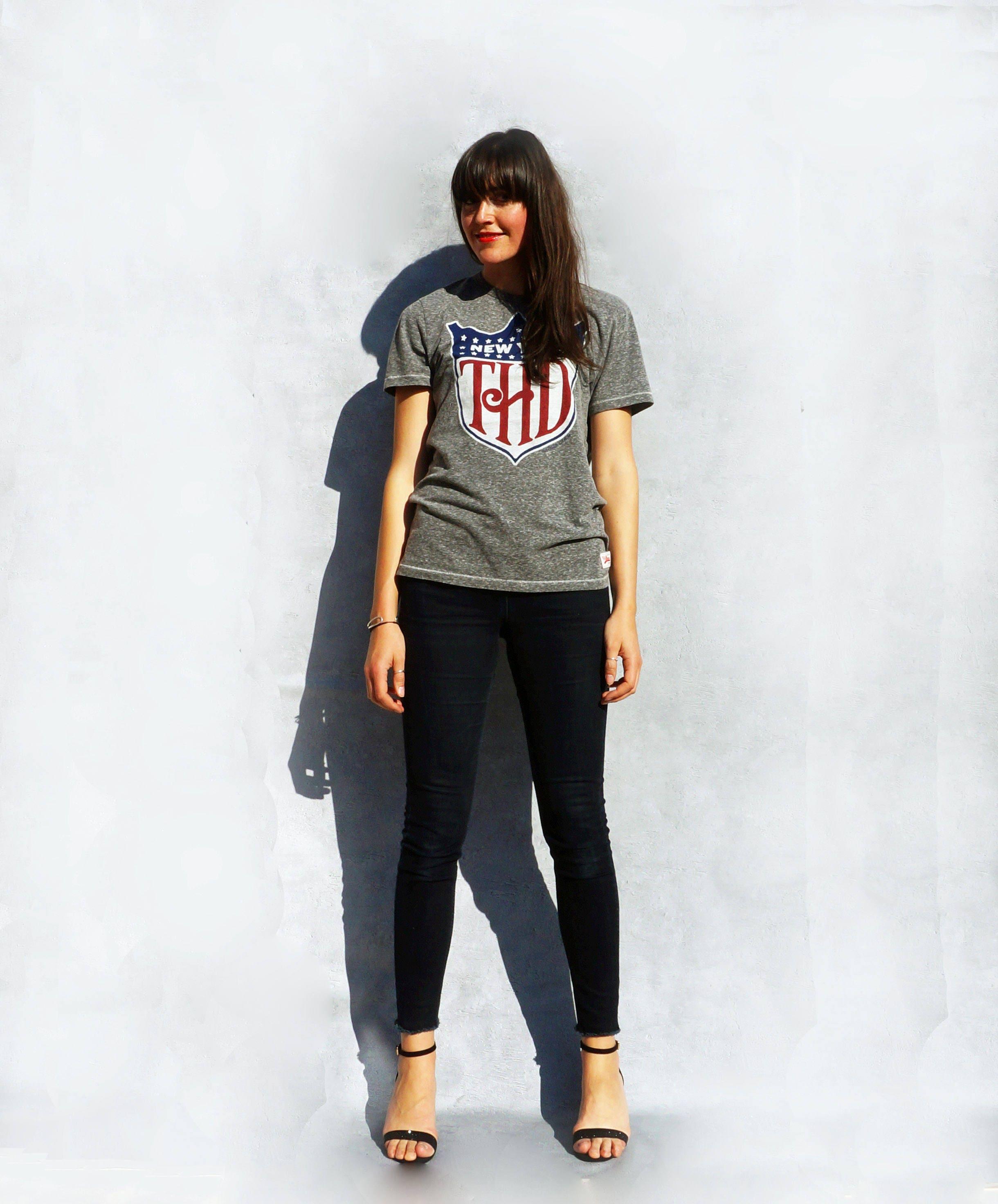 Tommy Hilfiger Tshirt Vintage 90s T shirt 90s Pop Culture Shirt Slogan Tshirt Tumblr Tshirt American Tshirt Womens Tshirt Cotton Top
