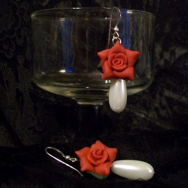 Esty Rose Pearl Earrings, Free Shipping by Jewelles on Etsy