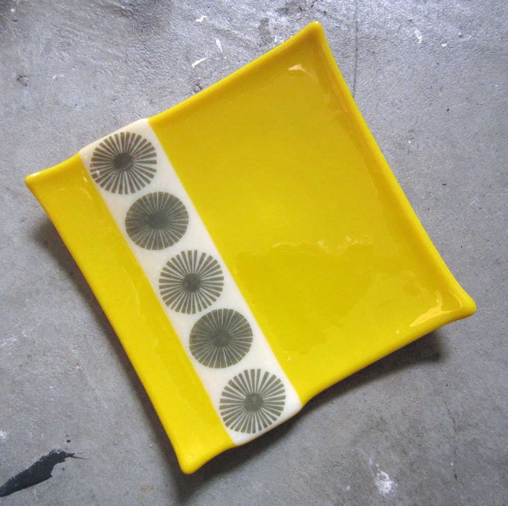 Mustard Yellow Glass plate, Square plate, Modern Home Decor - mediumstomasses