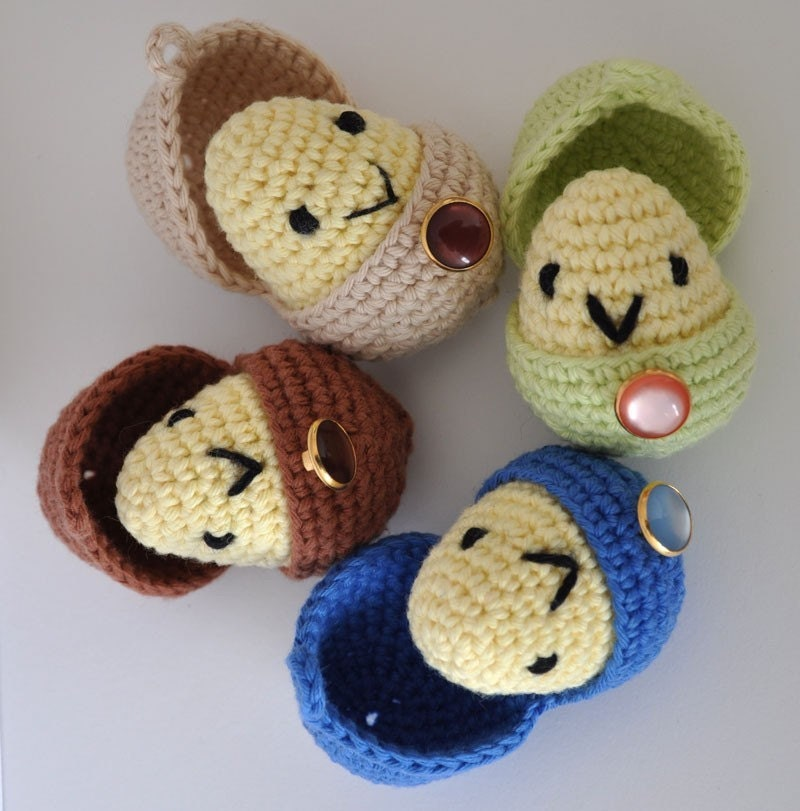 Amigurumi -4 Baby Peekaboo Chickadees in Assorted Colours Perfect for Easter